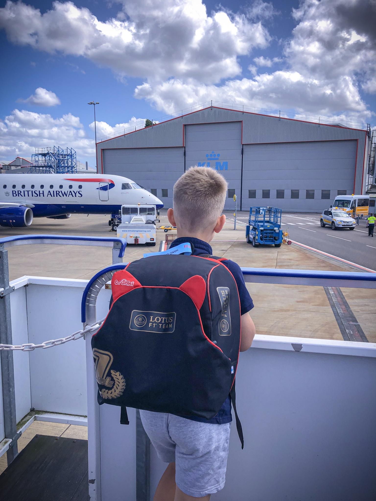 Childrens hand luggage